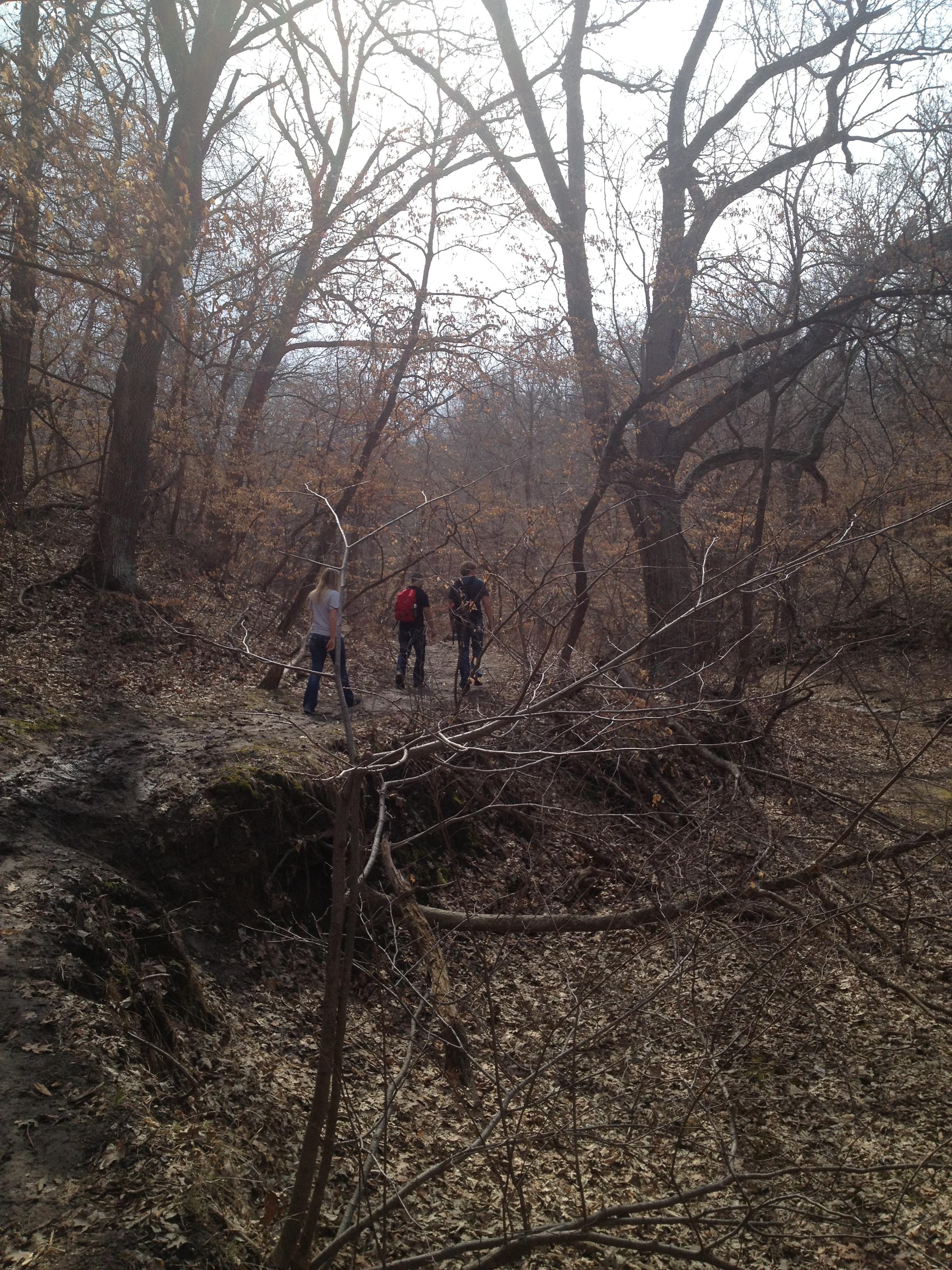 Tora, Kyle & Kai hiking towards the falls